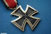 Zdjęcie do ogłoszenia: KUPIE WOJSKOWE STARE ODZNACZENIA,ODZNAKI,medale,ordery telefon 694972047