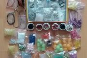 Zdjęcie do ogłoszenia: Koraliki i inne elementy do tworzenia biżuterii