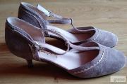 Zdjęcie do ogłoszenia: Buty zamszowe, skórzane, rozmiar 37, kolor Beż, Nowe