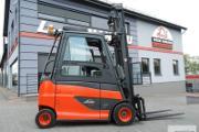 Zdjęcie do ogłoszenia: Elektryczny wózek widłowy Linde E30HL z prostownikiem , 3T 5.05M / BD-4645